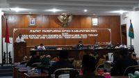 Bupati Haryanto memberikan tanggapan atas pandangan umum fraksi terhadap ranperda APBD tahun anggaran 2021.